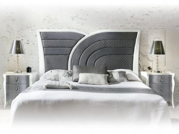 Recibidor clásico y espejo