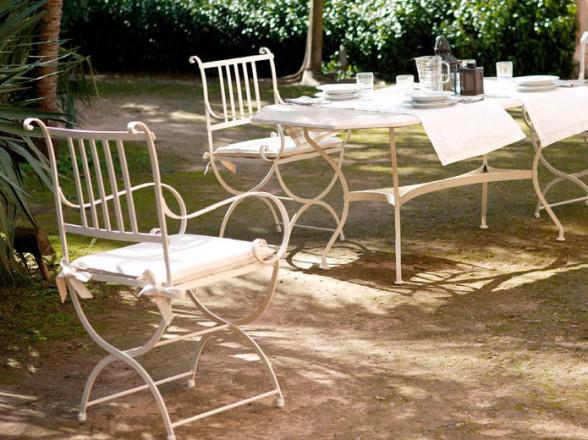 Mesa de centro clásica 3 con tapa de madera y patas metálicas