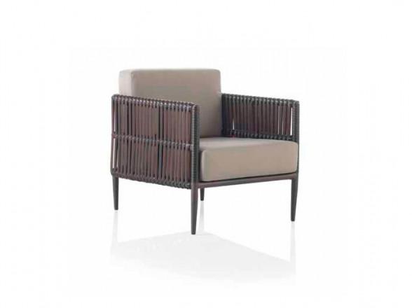 Banqueta clásica 1 en nuestra tienda de muebles en Madrid