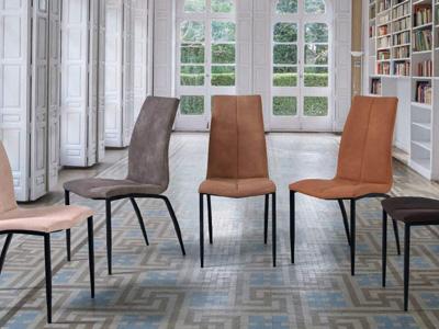 Conjunto de mesas y sillas, butacas, taburetes y banquetas de Seres en Móstoles, Madrid