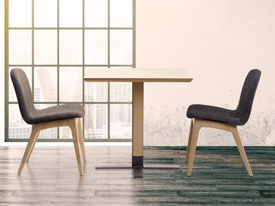 Conjunto de mesas y sillas, butacas, taburetes y banquetas de Sillalfaro en Móstoles, Madrid